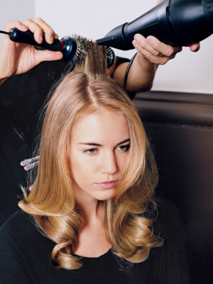 woman-getting-a-blow-out