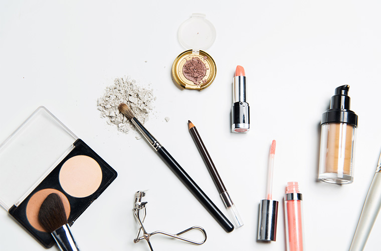 ThinkstockPhotos-Getty-Images-Makeup-Products.jpg